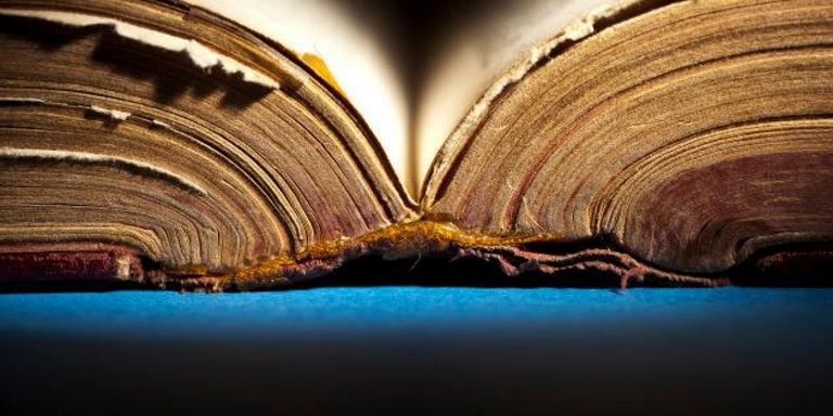 antiguo diccionario abierto